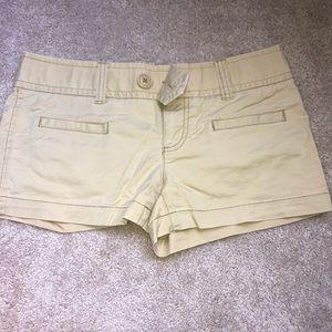 American Eagle size 2 kaki shorts